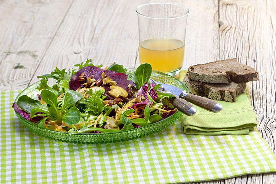 veggie rezept omega3 salat mit kr uter hanf l dressing. Black Bedroom Furniture Sets. Home Design Ideas