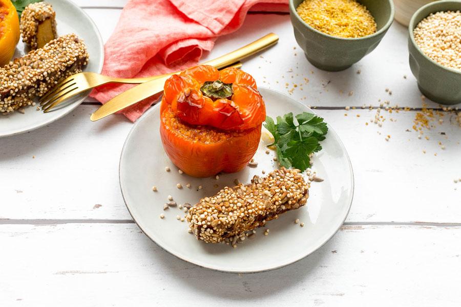 veggie rezept r uchertofu mit quinoa kruste und gef llte lupinen paprika jedes essen z hlt. Black Bedroom Furniture Sets. Home Design Ideas