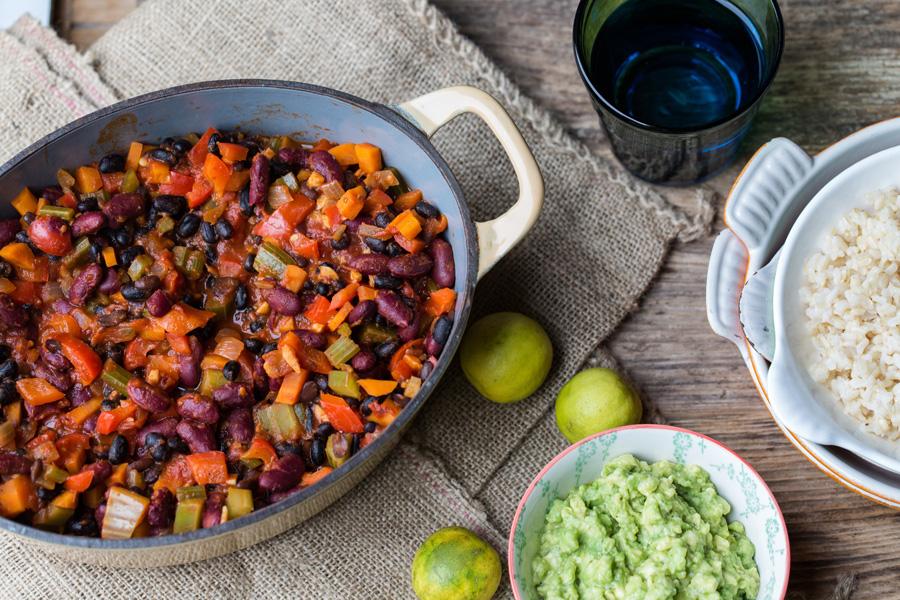 veggie rezept vegetarisches chili chili sin carne jedes essen z hlt. Black Bedroom Furniture Sets. Home Design Ideas
