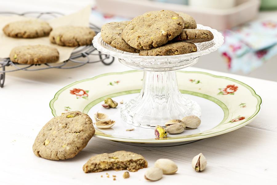 veggie rezept wei e schokolade cookies mit pistazien jedes essen z hlt. Black Bedroom Furniture Sets. Home Design Ideas